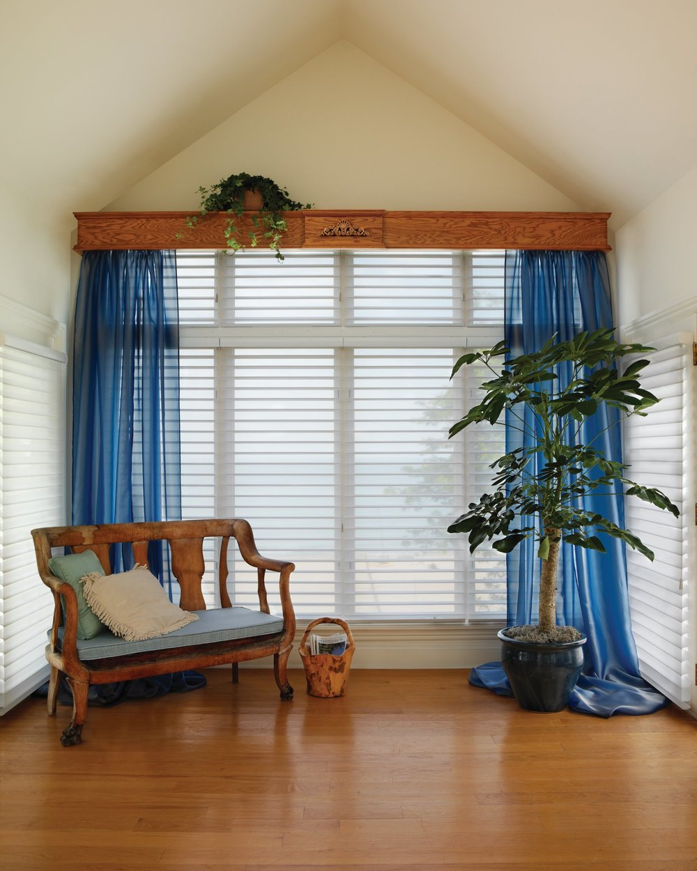 Den window treatment