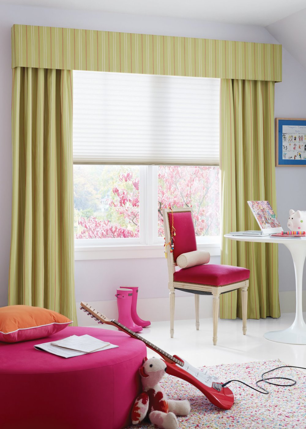 Child's room window treatment