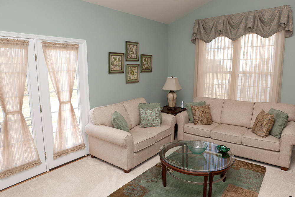 Window treatments decorlink - Living room picture window treatments ...