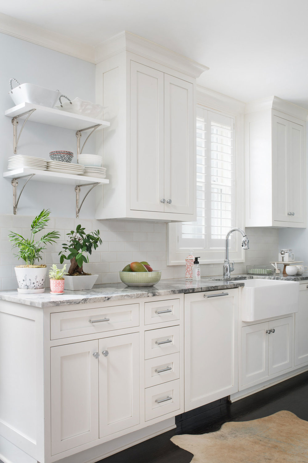 white-kitchen-sink.jpg