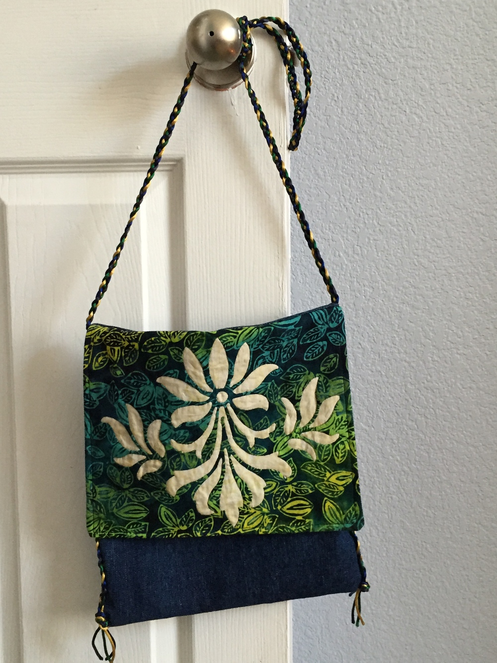 Bag created using Fleur de Lis block on the front flap.