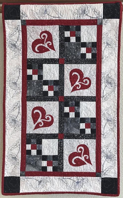 "Snowy Hearts table runner IX (21.5"" x 35.5"")"
