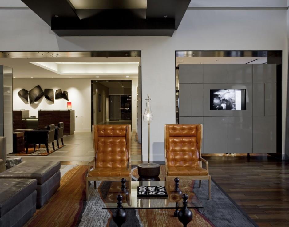 The Baronette Hotel