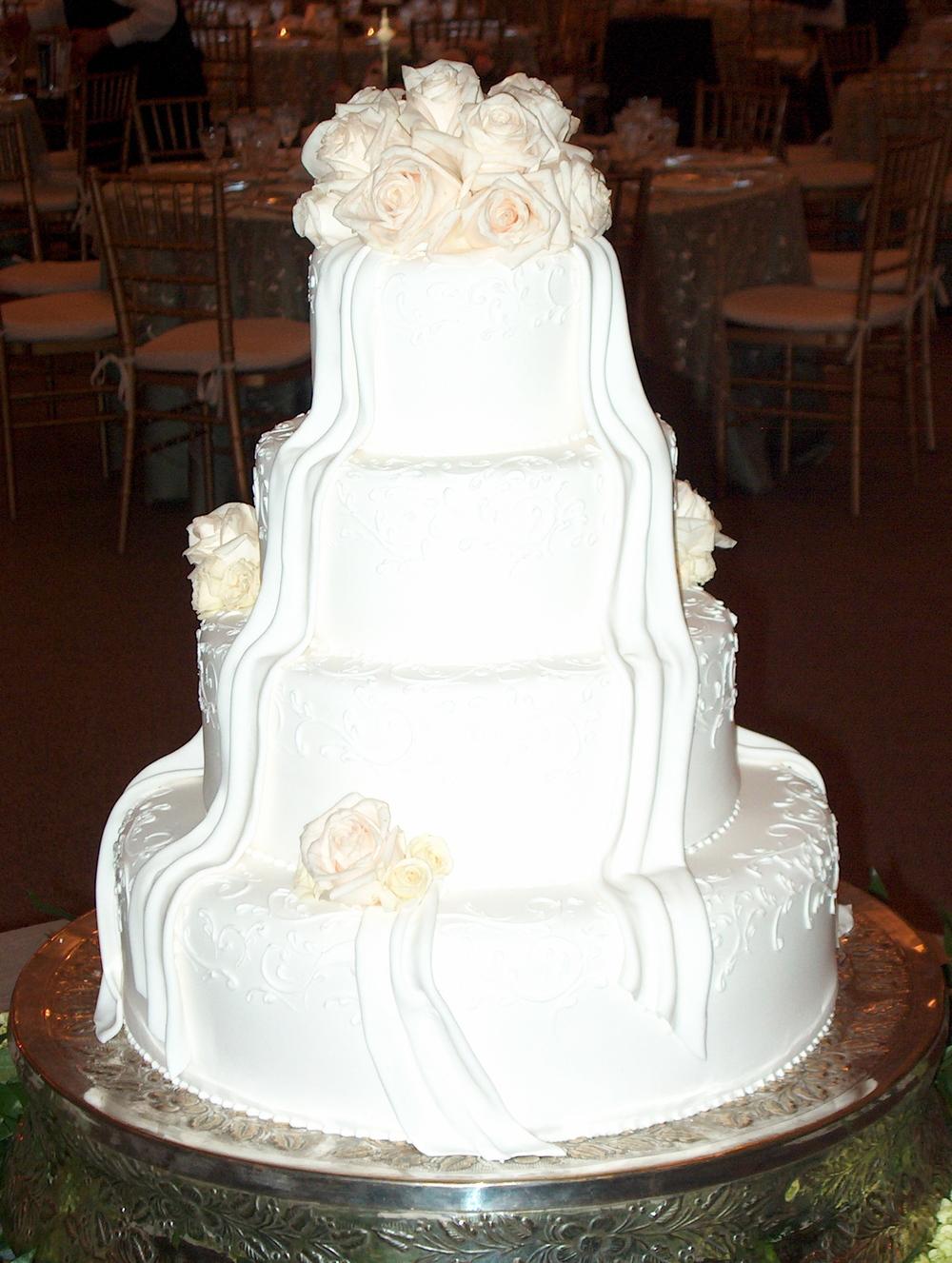 Wedding Cakes - 101.jpg