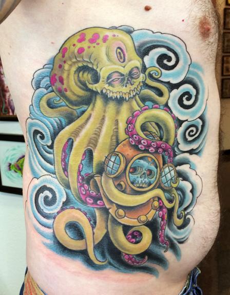 evil-octopus-holding-diver-helmet-ribs.jpg