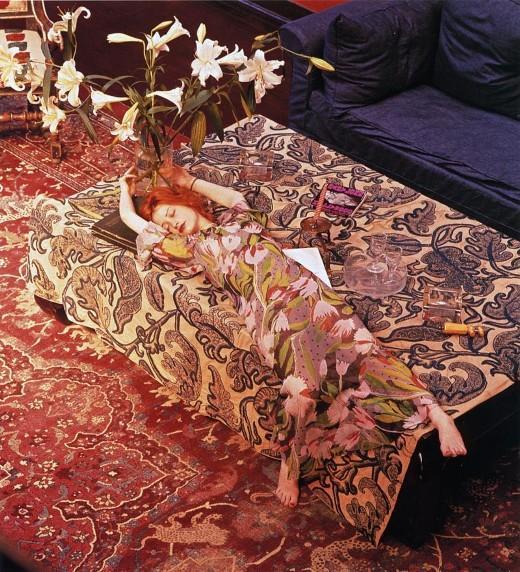 nicky-samuels-by-norman-parkinson-in-british-vogue-1972.jpg