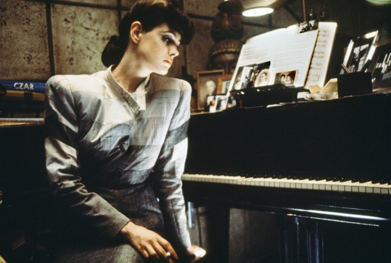 Blade-Runner_Sean-Young-costume-mid_Image-credit-Warner-Bros.jpg