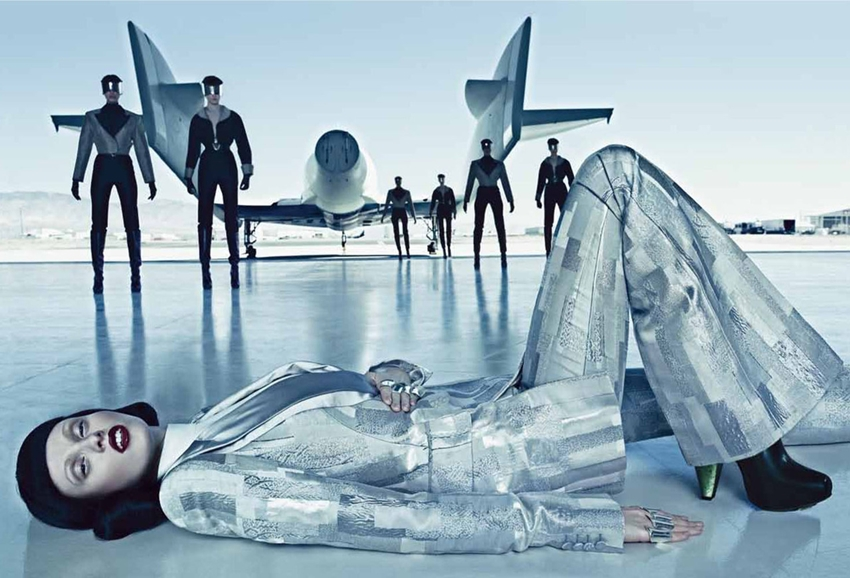 vogue-september-2012-space-odyssey-4.jpg