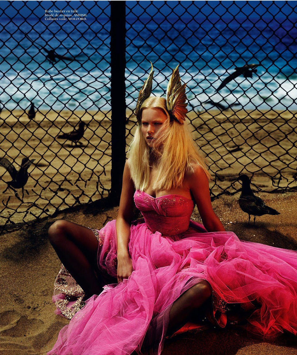 anna-ewers-by-mert-alas-marcus-piggott-for-vogue-paris-august-2014-2.jpg