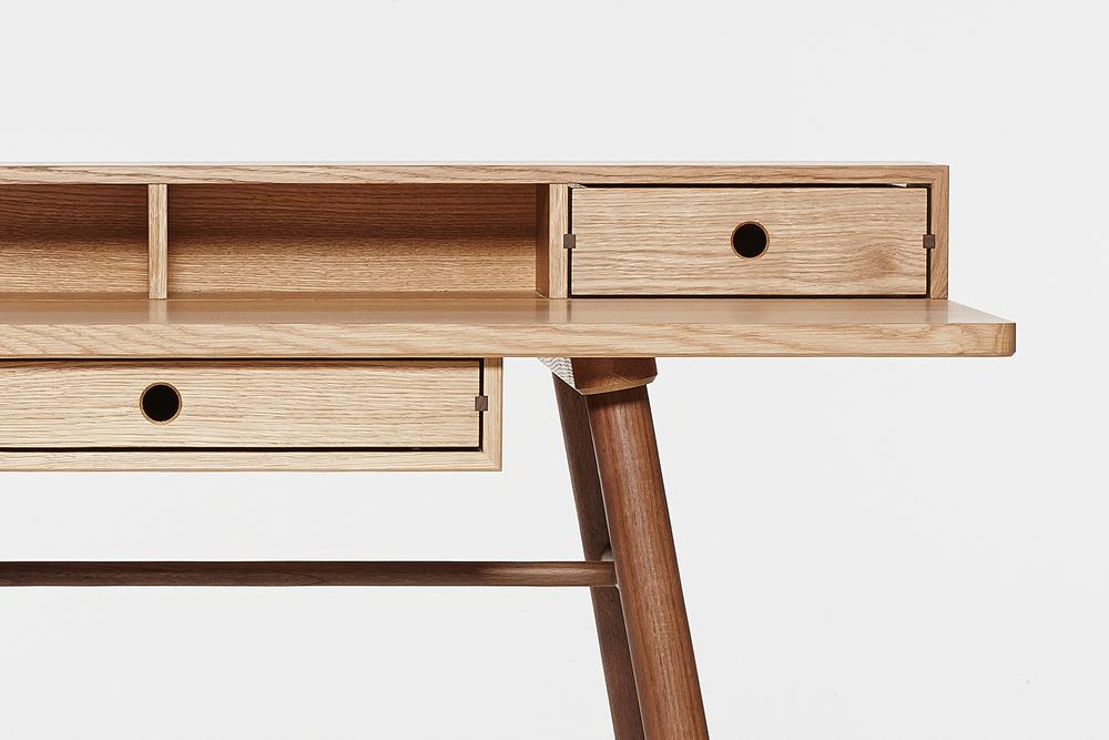Fosse Desk Detail