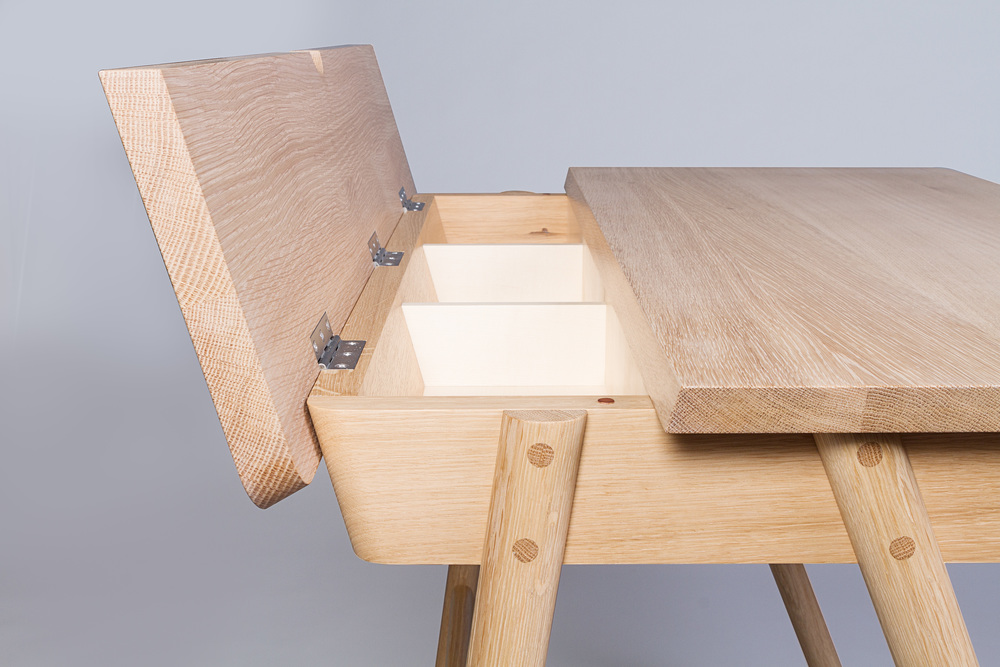 Sycamore detail on hand crafted bespoke desk commission