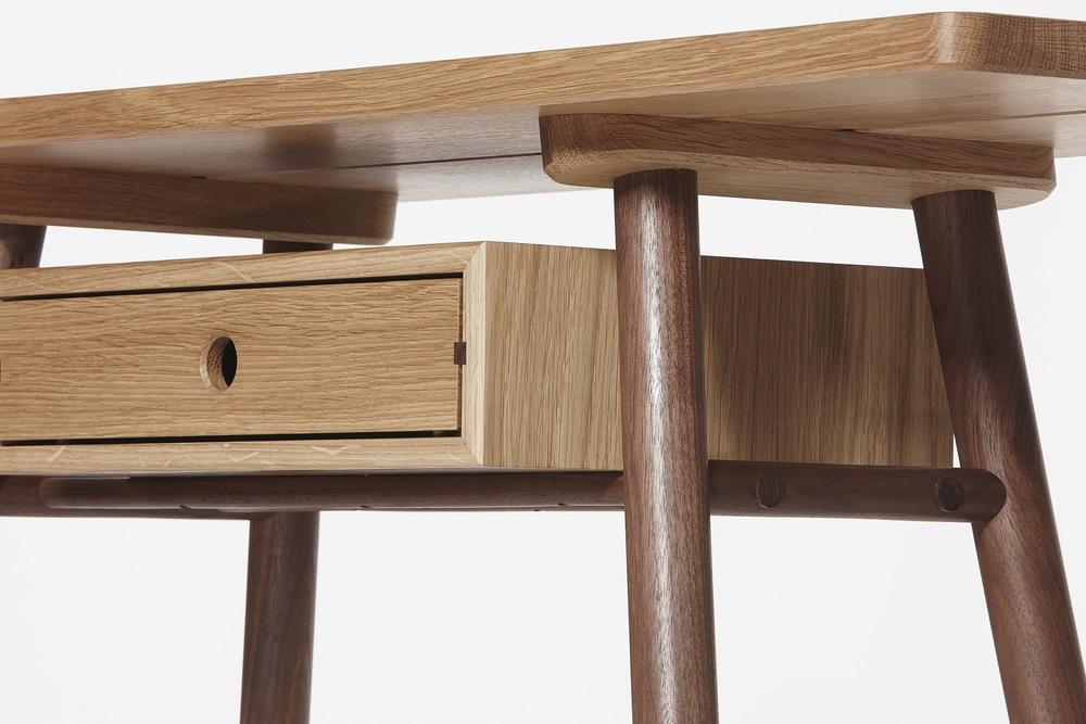 close up of hand crafted oak desk by furniture designer maker Namon Gaston