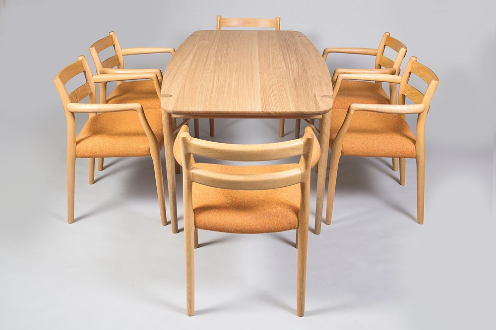 Møller Dining Table