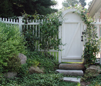 CLASSIC NEW ENGLAND GARDEN - Arched Doorway