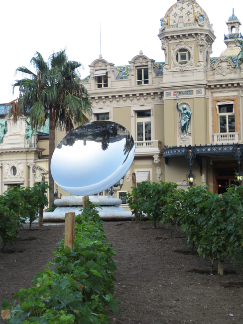 Anish Kapoor Art w grape wines The Casino de Monte-Carlo_web.jpg