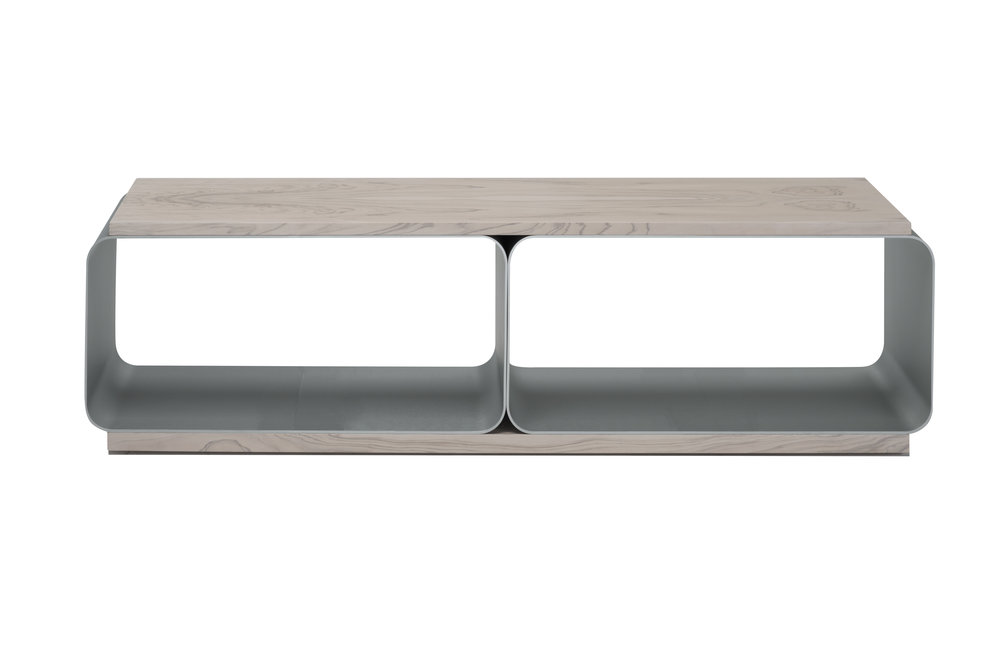 Bench is made of metal and olive wood, many other finishes available. Made in Italy