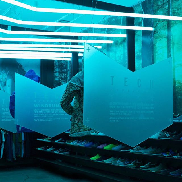 Modern and minimalistic, yet impactful. Because sometimes less is more: retail design for the Beverly Hills @blends launch of the Nike Tech Hyperfuse Windrunner. #windowdisplay #retaildesign