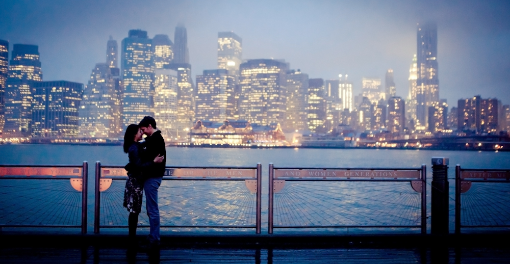 ENGAGEMENT PHOTOS AT DUMBO IN BROOKLYN - NATALIE SINISGALLI PHOTOGRAPHY