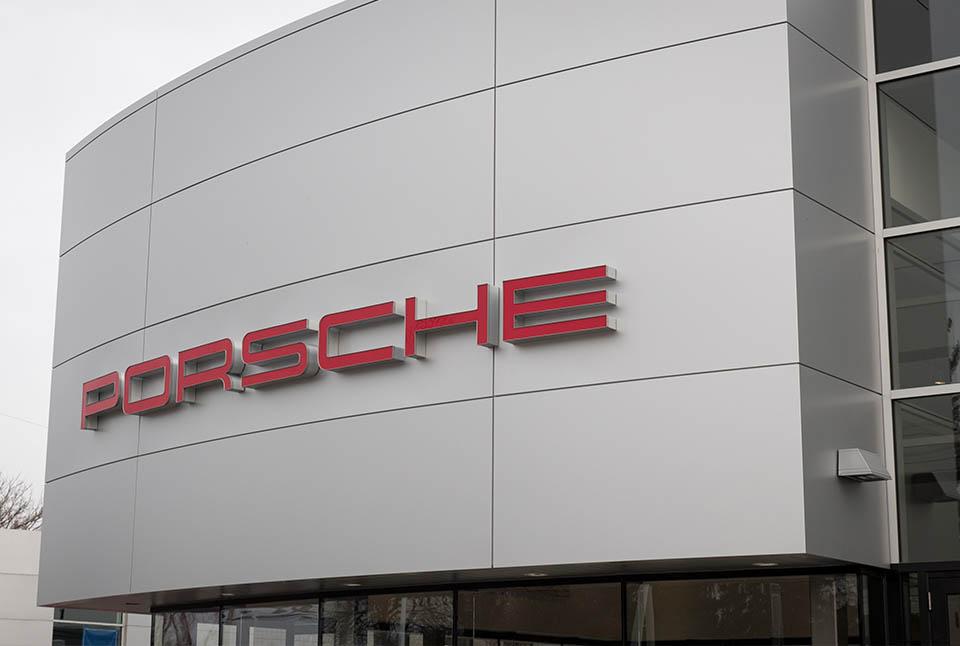 """Germain<br><em style=""""font-size: 14px"""">Porsche</em>"""