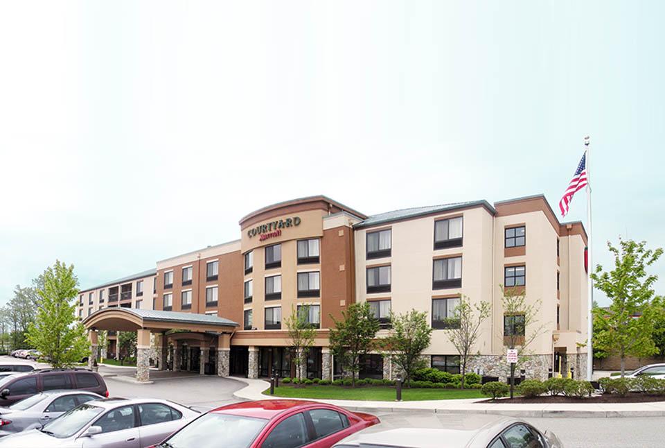 "Courtyard Marriott<br><em style=""font-size: 14px"">Monroeville</em>"