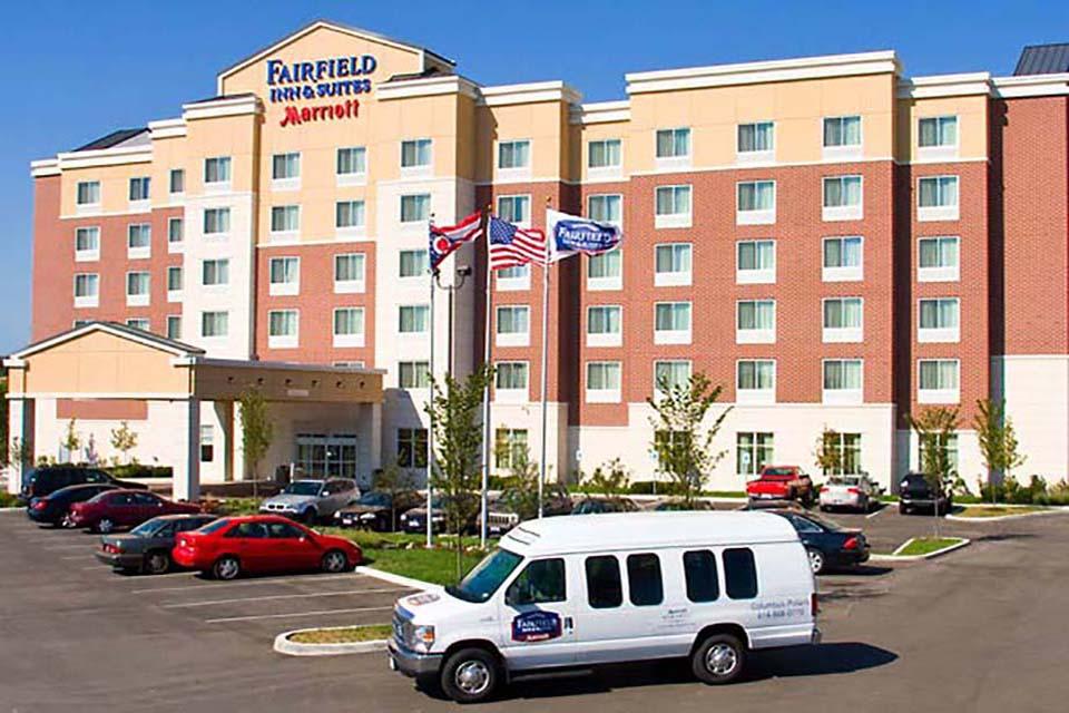 """Fairfield Inn & Suites<br><em style=""""font-size: 14px"""">Polaris</em>"""