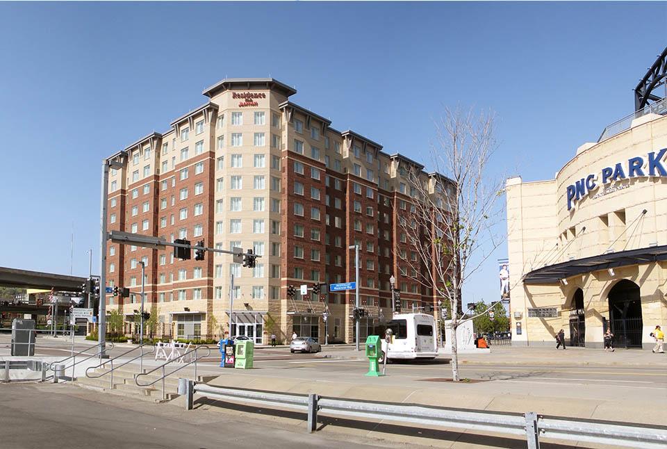 "Residence Inn<br><em style=""font-size: 14px"">North Shore</em>"
