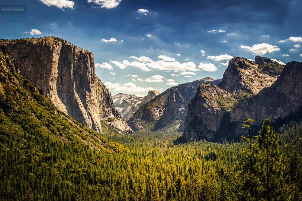 Tunnel View in Yosemite National Park, California