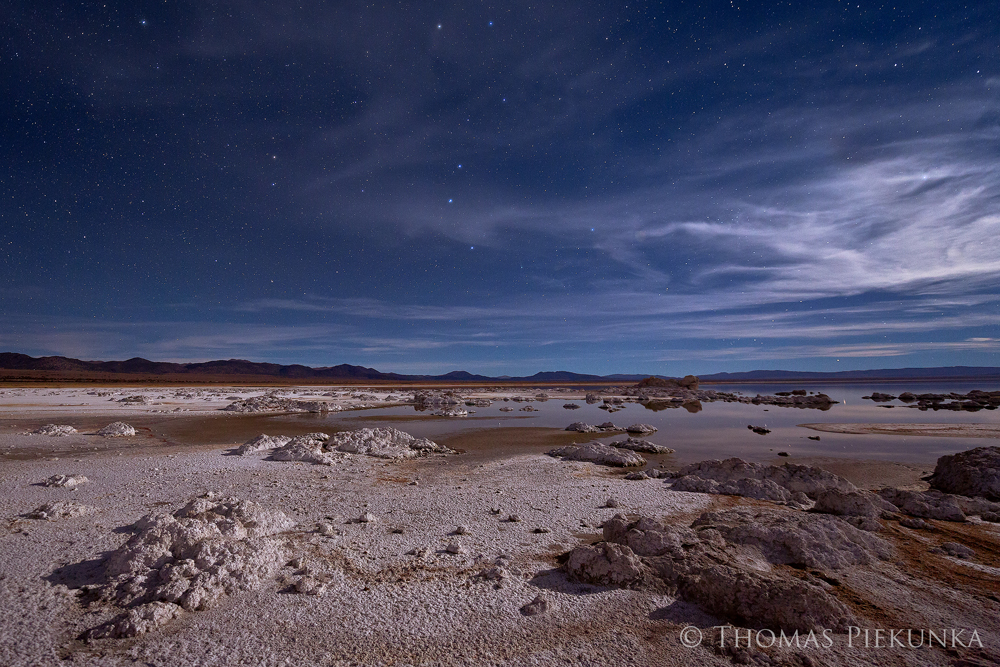 Mono-Lake-North-Shore-with-Ursa-Major-(Big-Dipper),-11-26-13-sRGB-web.jpg