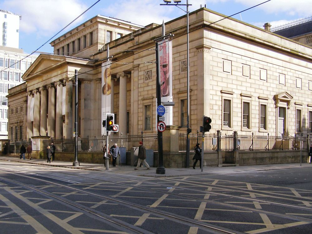 source: https://upload.wikimedia.org/wikipedia/commons/e/e7/Manchester_Art_Gallery_-_geograph.org.uk_-_1748756.jpg