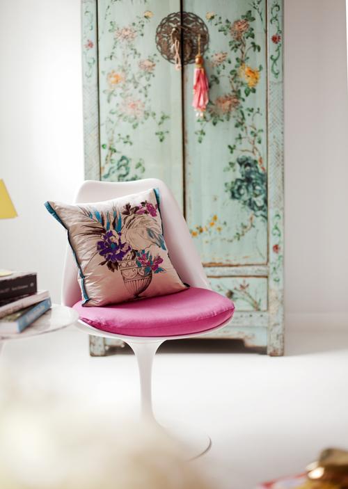 pink chair.jpeg