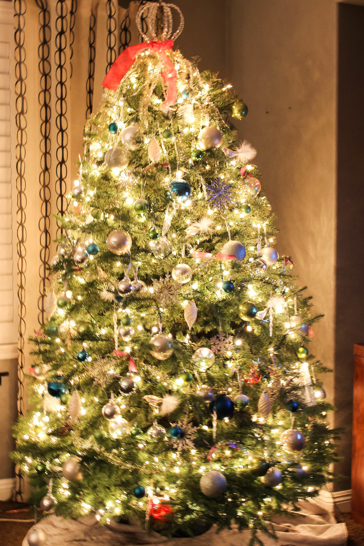 christmas-tree-decor.jpg