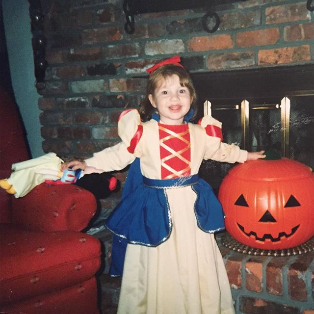 🔹My love for singing all began with disney princesses. I knew all the songs and had a matching outfit for almost every one.🔹Here's a little #tbt dressed as Snow White thanks to my godmother's talented sewing skills; even my dolly got to be Snow White.☺️ #MissNewYork #talenttbt