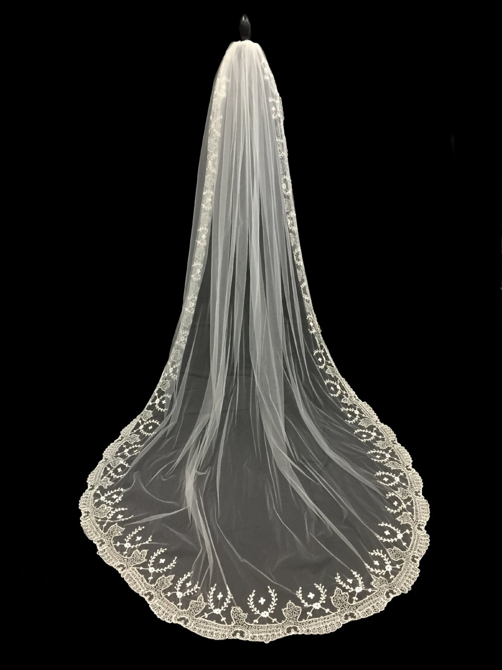 V-5684-I _ 108x108  Embroidered  Veil