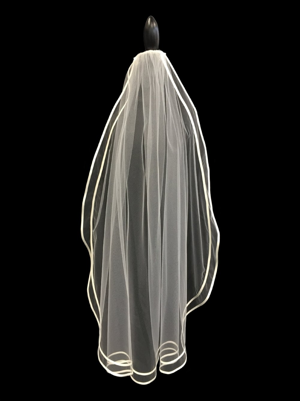 Style V5669-D __ 45x72 Satin Bias Edged Veil