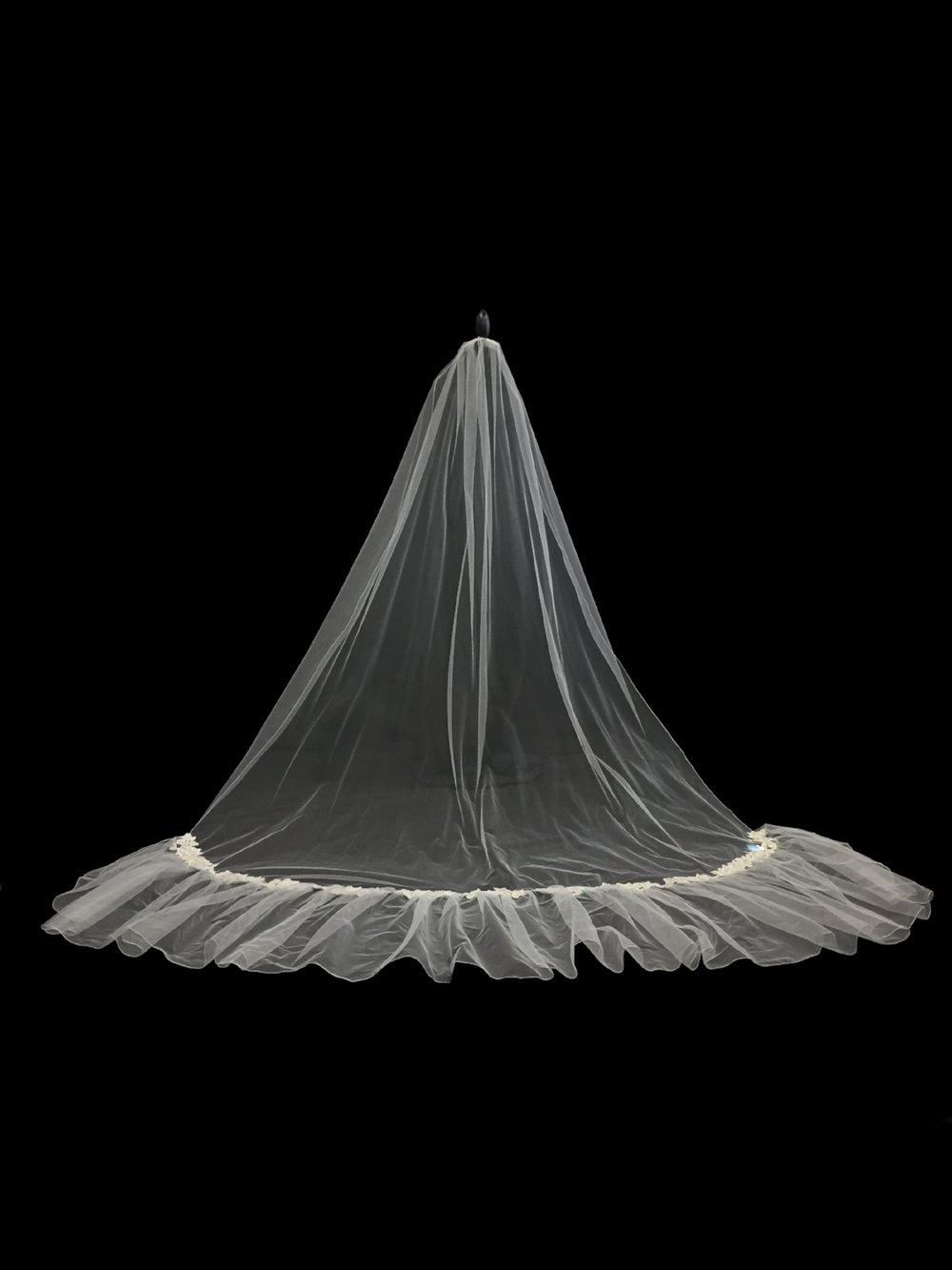 Style V5682-DI _ 90x72 / 20x200 Silver Embroidered Appliqué Veil