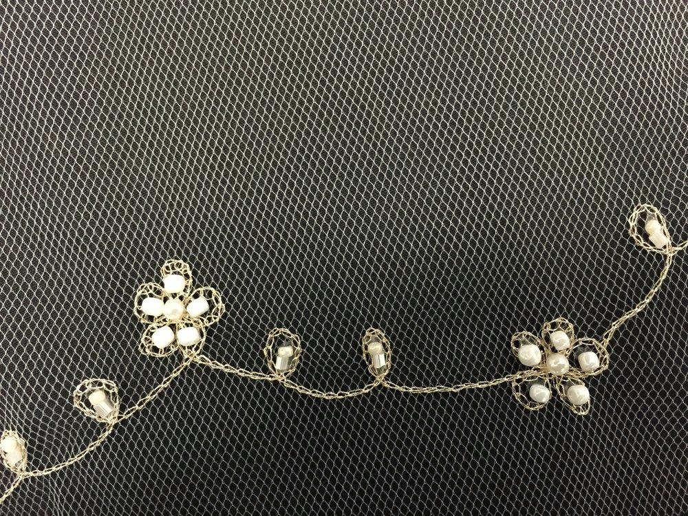 Style V5683-I Detail