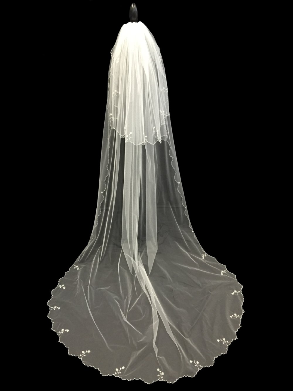 Style V5691-I _ 96-30x72 Two Tier U-Cut Beaded Veil
