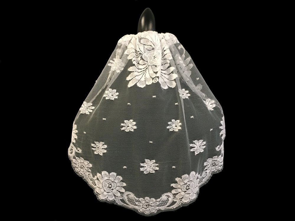 "Style V5723-DI __ 16""x22""Short French Chantilly Lace Mantilla Veil"