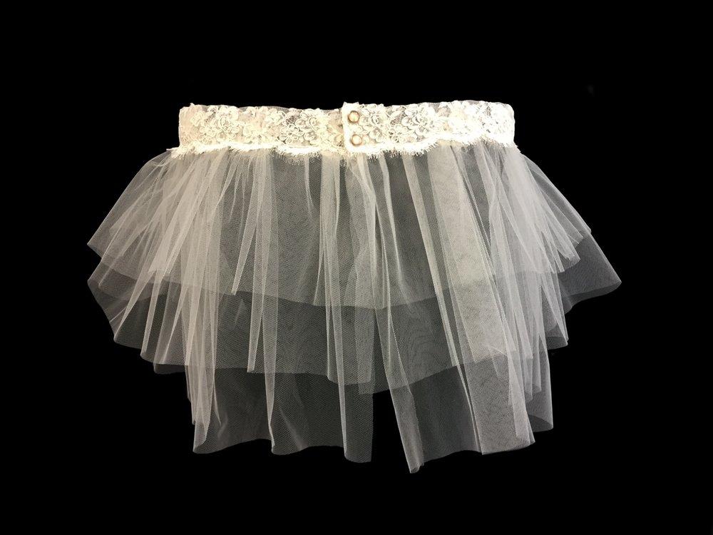 Style V5734-DS __ 7-10-13x108 Alençon Lace Shawl
