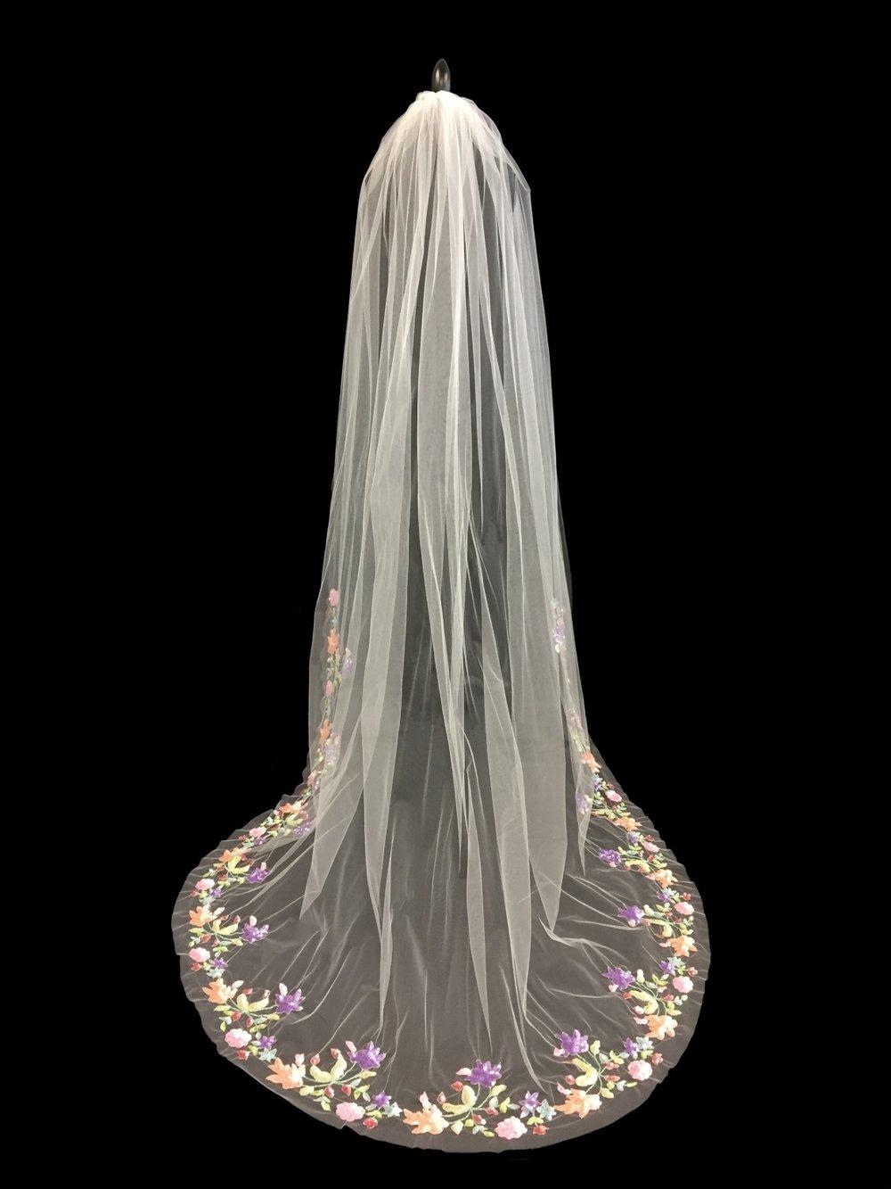 Style V5736-I __ 96x108 U-Cut Coloured Sequin Garden Veil