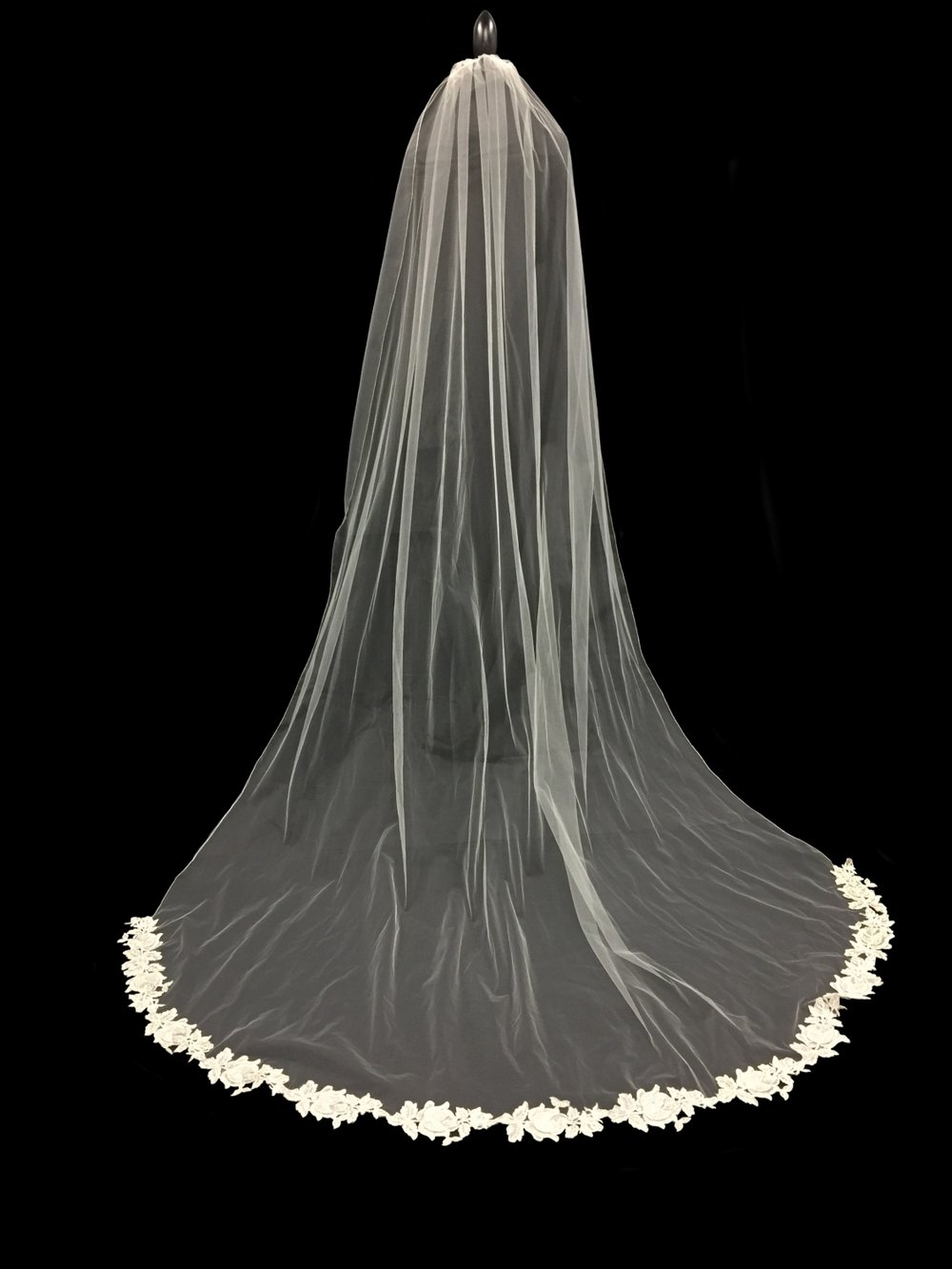 Style V5763-DI __ 96x72 - Appliqué Veil