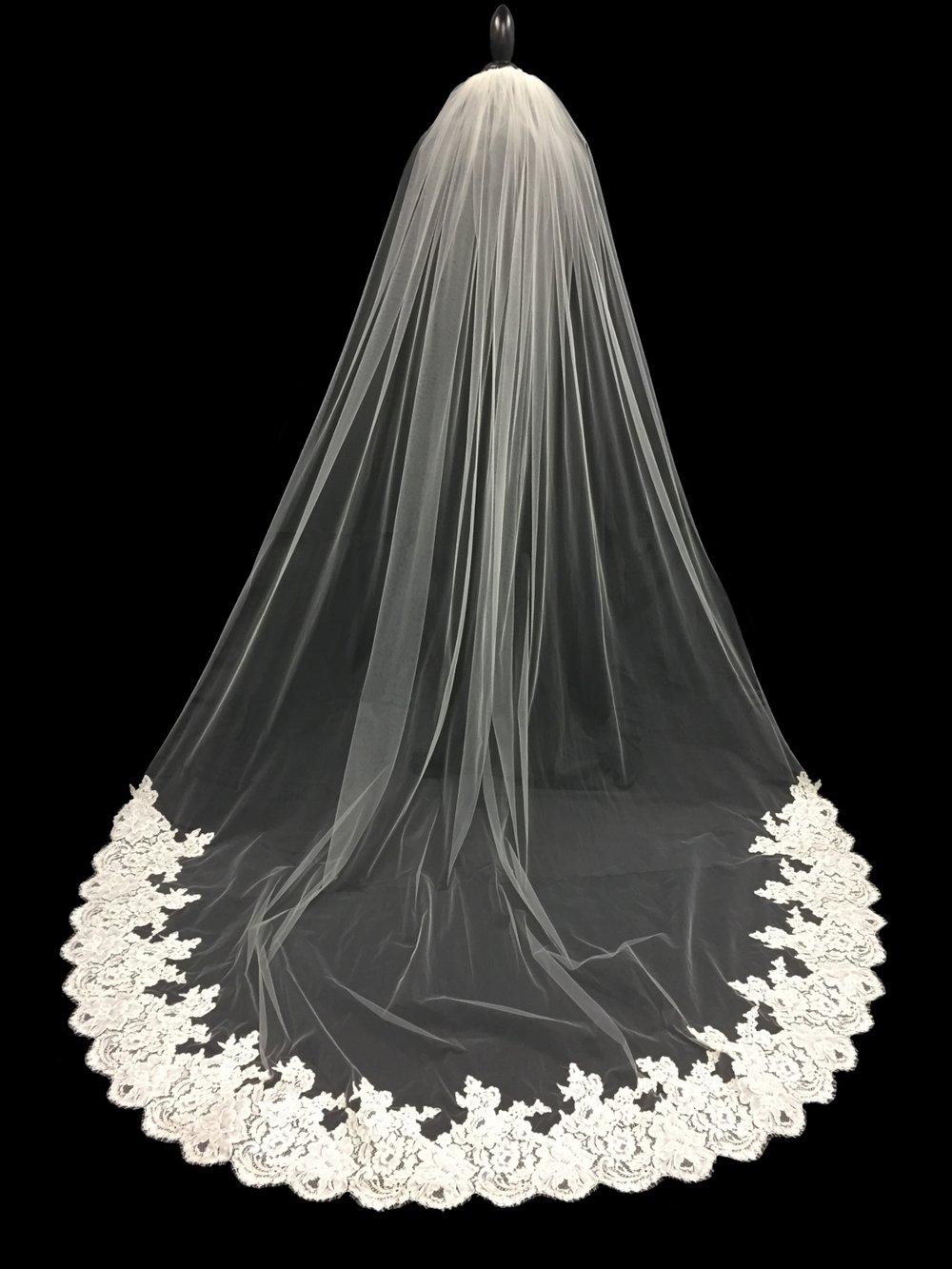 Style V5757-D __ 96x90 - French Alençon Lace