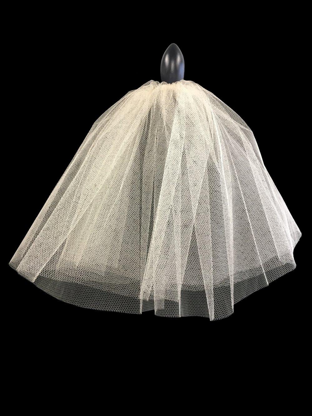 Style V5771-D __  18-18x72 - Bridesmaid Veil (Ivory plus 7 colours)