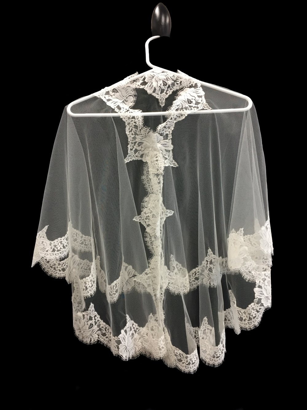Style V5786-D  __   44x100  -  French Chantilly Lace Capelet