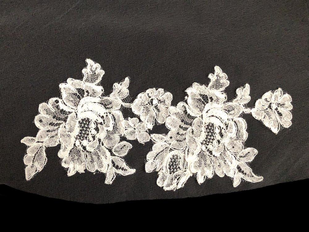 Style V5818-D Detail 2