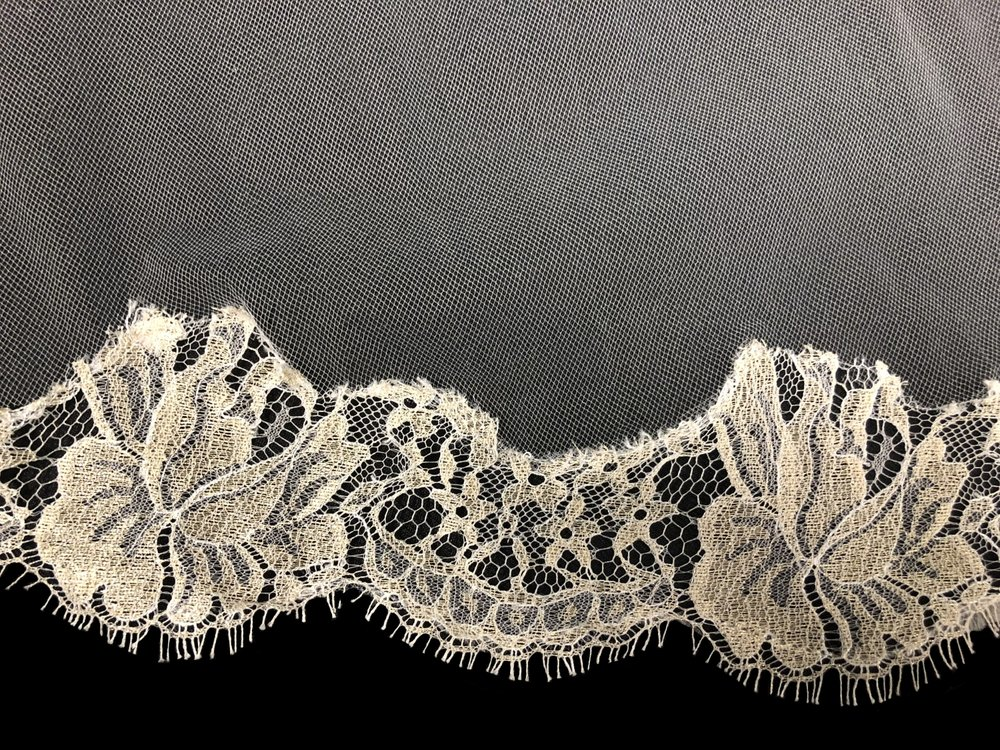 Style V5826-D Detail