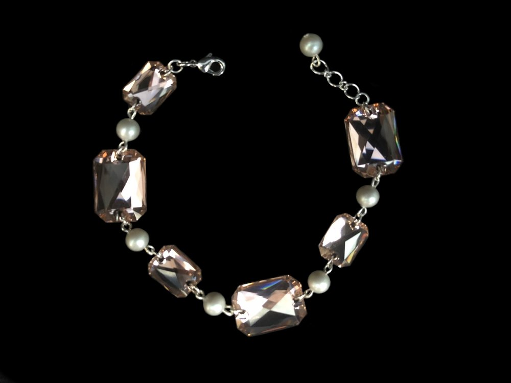 """Style 8108BR-D  -  5/8"""" wide at crystal"""