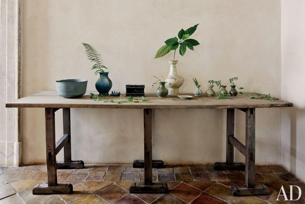 rustic-living-room-axel-vervoordt-rome-italy-201303_1000-watermarked.jpg
