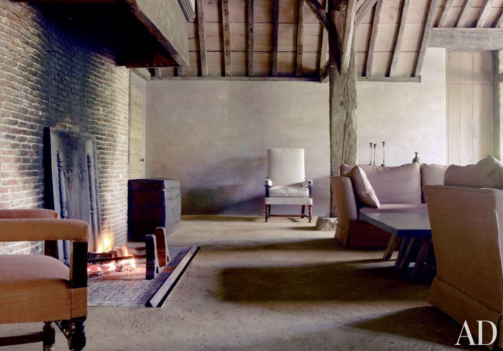 rustic-living-room-axel-vervoordt-belgium-201108-2_1000-watermarked.jpg