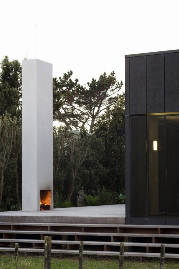 outdoor-fireplace-fearon-hay-architects.jpg